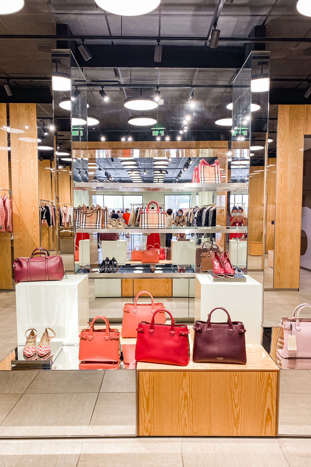Burberry Outlet At Desert Premium Outlets